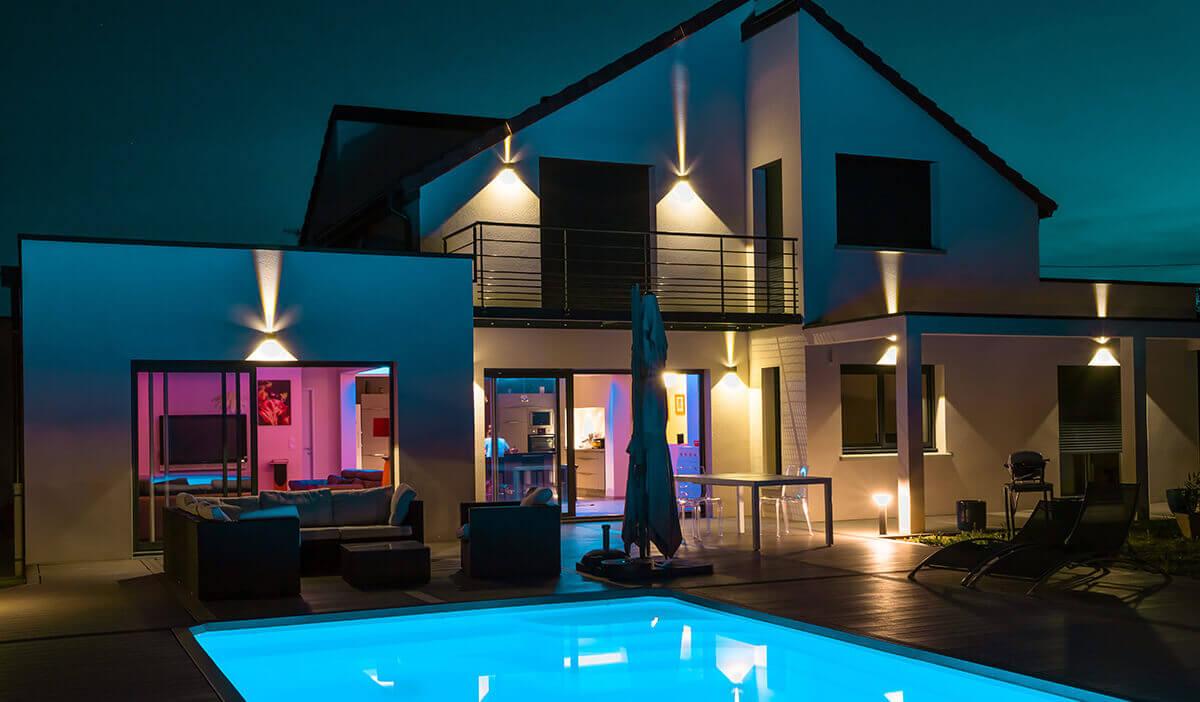 Magnifique maison avec éclairage extérieur